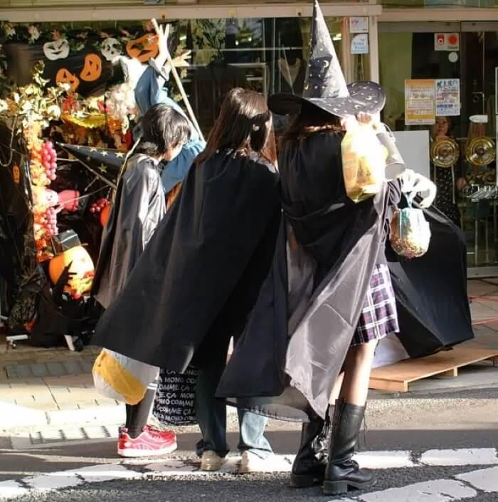 みんなでハロウィンイベントに出かけよう