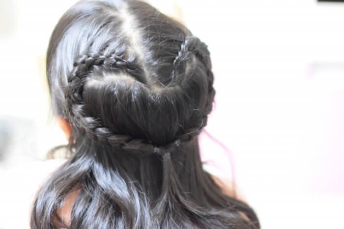 サンタコスプレの髪型!簡単にヘアアレンジを